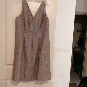Nine West sz 18 V neck/back brown dress